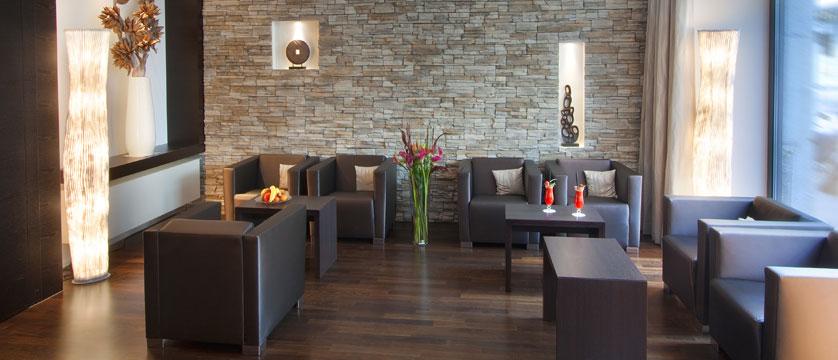 Hotel Waldstaetterhof, Lucerne, Switzerland - lounge.jpg